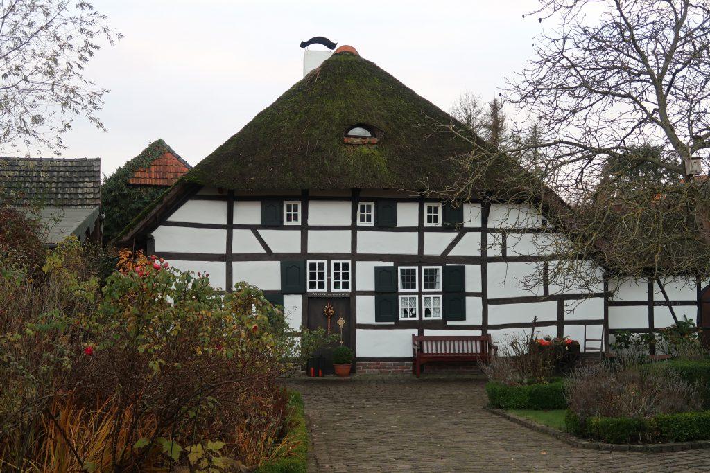 Reetgedecktes Haus Schwaamerstrasse