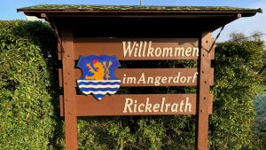 Ortseingangsschild Angerdorf Rickelrath