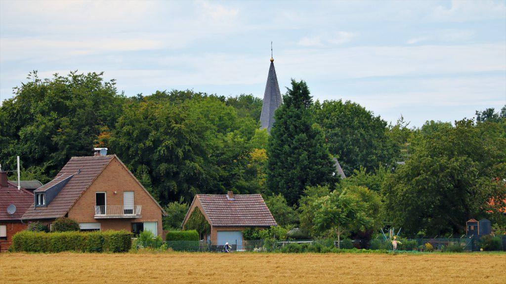 Rickelrather Kirche im Wald!